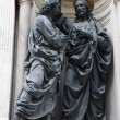Florence - Christ and apostle Thomas on the facade of Orsanmichele — Stock Photo