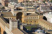 Rzym - watykan s muzeów z kopułą — Zdjęcie stockowe