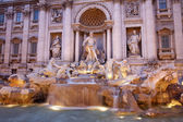 Rome - Fontana di Trevi in evening — Stockfoto