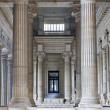 BRUSSELS - JUNE 22: Neoclasical vestiubule of Justice palace on June 22, 2012 in Brussels. — Stock Photo