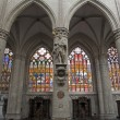 Brussels - Nave of cathedral of Saint Michael and Saint Gudula. - Stockfoto