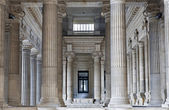 BRUSSELS - JUNE 22: Neoclasical vestiubule of Justice palace on June 22, 2012 in Brussels. — Stockfoto