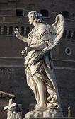 Roma - ponte sant'angelo, anjo com as unhas — Fotografia Stock