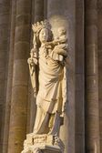 Paris - Virgin Mary statue from Notre Dame cathedral — Stock Photo
