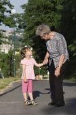Dialoogvenster van grootmoeder en kleinkind — Stockfoto