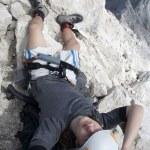 上峰的 jalovec 峰值在朱利安阿尔卑斯-斯洛文尼亚登山运动员 — 图库照片