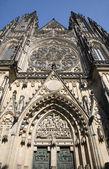 优惠价-西外立面的圣维特大教堂 — 图库照片
