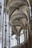Arco della chiesa gotica di st eustache a parigi — Foto Stock