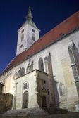 V Bratislava - Martin s cathedral in evening — Stock Photo