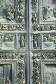 Pisa - tor der kathedrale — Stockfoto