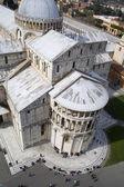 Pisa - olhar catedral - piazza dei miracoli - da torre de suspensão — Foto Stock
