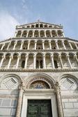 Pisa - facade of cathedral - Piazza dei Miracoli — Stock Photo