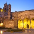 Palermo - South portal of Cathedral or Duomo at dusk — Stock Photo