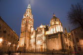 Toledro - Cathedral Primada Santa Maria de Toledo in dusk — Stock Photo