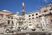 Palermo - Florentine fountain on Piazza Pretoria — Stock Photo