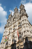 Leuven - Gothic town hall in evening dusk — Stock Photo
