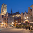 MECHELEN - SEPTEMBER 4: Grote markt and St. Rumbold's cathedral in evenig dusk in Sepetember 4, 2013 in Mechelen, Belgium. — Stock Photo