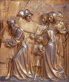 ANTWERP, BELGIUM - SEPTEMBER 5: Jesus meets the women of Jerusalem, Metal relief from Joriskerk or st. George church on September 5, 2013 in Antwerp, Belgium — Stock Photo