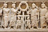 PALERMO - APRIL 8: Relief from one of the middle age tombs under cathedral on April 8, 2013 in Palermo, Italy. — Stock fotografie