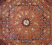 TOLEDO - MARCH 8: Ceiling of atrium of Monasterio San Juan de los Reyes or Monastery of Saint John of the Kings in mudejar style on March 8, 2013 in Toledo, Spain. — 图库照片