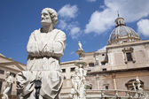 Palermo - Detail from Florentine fountain on Piazza Pretoria — Stock Photo