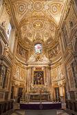 罗马-3 月 23 日: 在 2012 年 3 月 23 日在罗马的教会圣塔玛丽亚戴尔尼玛的祭坛. — 图库照片