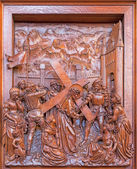 ANTWERP, BELGIUM 5: Jesus with the cross and cried women scene. Carved relief in St. Pauls church (Paulskerk) on September 5, 2013 in Antwerp, Belgium — Stock Photo