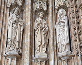 BRUSSELS - JUNE 21: Detail from main portal of Notre Dame du Sablon gothic church on June 21, 2012 in Brussels. — Stockfoto