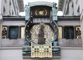 Vienna - tower-clock — Zdjęcie stockowe
