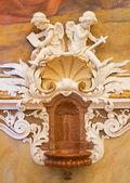 Viena - 27 de julho: afresco de anjos do vestíbulo da Igreja do mosteiro em klosterneuburg de 19. Cent. em 27 de julho de 2013 Viena. — Fotografia Stock