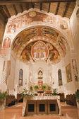 VERONA - JANUARY 28: Sanctuary of Chiesa di Santissima Trinita consecrated in 1117 on January 28, 2013 in Verona, Italy. — Stock Photo