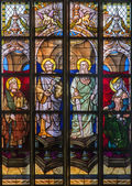 ANTWERP, BELGIUM - SEPTEMBER 5: Windowpane of apostle Peter and Paul from cathedral of Our Lady on September 5, 2013 in Antwerp, Belgium — Stock Photo