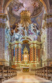 VENICE, ITALY - MARCH 11, 2014: Presbytery and main nave of baroque church Santa Maria degli Scalzi. — Stock Photo