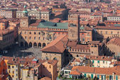 Bologna - Outlook from Torre Asinelli to Palazzo Podesta and Palazzo Comunale in morning — Stock Photo