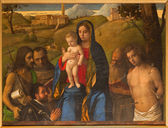 VENICE, ITALY - MARCH 14, 2014: Madonna and saints by Bellini (Joannes Bellinus 1430 - 1437)  in church San Francesco della Vigna — Stock Photo