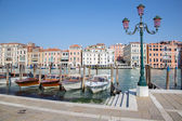VENICE, ITALY - MARCH 13, 2014: Canal grande and boats for church Santa Maria della Salute. — Stock Photo