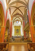 BOLOGNA, ITALY - MARCH 16, 2014: Main nave and renaissance altar  by Girolamo da Sermoneta in church San Martino. — Stock Photo