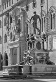 Bologna - Fontana di Nettuno or Neptune fountain on Piazza Maggiore square — Stock Photo