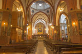 BOLOGNA, ITALY - MARCH 16, 2014: Main nave of church San Giovanni in Monte. — Stock Photo