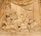 Milan - detail from facade of Duomo - Mashiah peace in prophecy of Jesaiah — Stock Photo