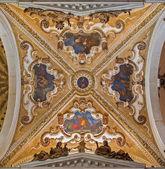 Benátky, Itálie - 12 března 2014: barokní bání boční kaple v kostel basilica di san giovanni e paolo. — Stock fotografie