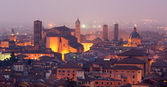 Bologna - Outlook to Bologna old town and cathedral San Petronio from church San Michele in Bosco in evening dusk — Stock Photo