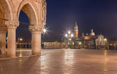 Venice - Waterfront of Saint Mark square and column of Doge palace and San Giorgio Maggiore church in background at dusk. — Stok fotoğraf