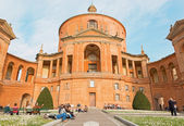 BOLOGNA, ITALY - MARCH 15, 2014: Church Chiesa della Madonna di San Luca over the town. — Foto de Stock