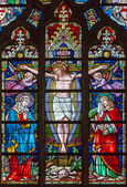 BRUGES, BELGIUM - JUNE 12, 2014: The Crucifixion on the windowpane in St. Salvator's Cathedral (Salvatorskerk). — Stock Photo