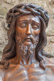 BRUGGE, BELGIUM - JUNE 13, 2014: Statue of Jesus in the bond in Basilica of the Holy bold. — Stock Photo