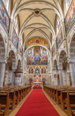 VIENNA, AUSTRIA - FEBRUARY 17, 2014: Nave of Carmelites church in Dobling. — Stock Photo