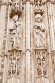 TOLEDO - MARCH 8: Apostle Paul and Jacob from south gothic portal of Cathedral Primada Santa Maria de Toledo on March 8, 2013 in Toledo, Spain. — Foto Stock