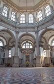 VENICE, ITALY - MARCH 13, 2014: Indoor of church Santa Maria della Salute. — Stock Photo