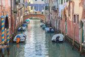 ヴェネツィア - ポンテ ・ デ ・ サンから見てフランチェスコ花嫁のリオ ・ ディ ・ サン ・ フランチェスコ — ストック写真